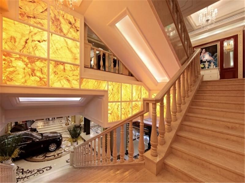 黄色大理石楼梯踏步