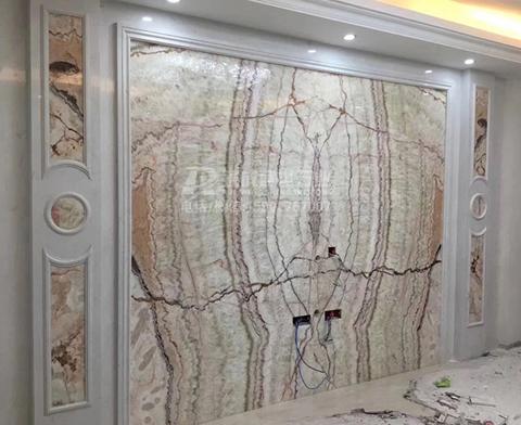 天然玉石对拼带罗马柱背景墙